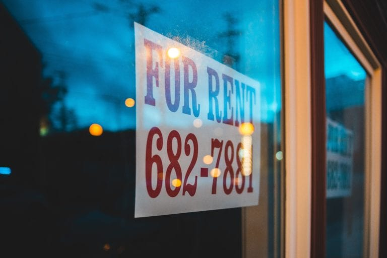 Want to know the best tenant screening tools in Canada. We compare the top three apps in this head-to-head to help you find a winner.